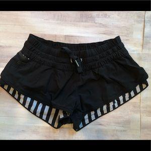 Lululemon EUC Surf Shorts Sz 2 Black reversible